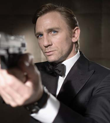 James Bond suspendida