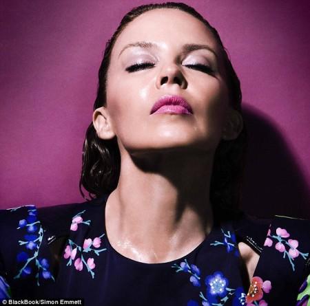 Kylie Minogue infartante-01