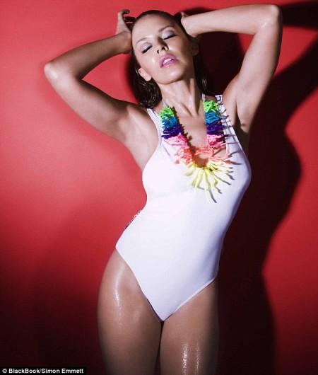 Kylie Minogue infartante-02