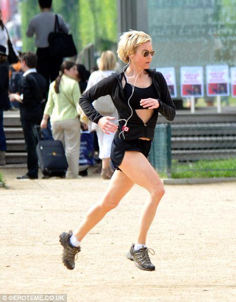 Renee Zellweger corre por Paris-05
