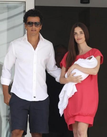 Paz Vega vuelve a casa con su tercer hijo