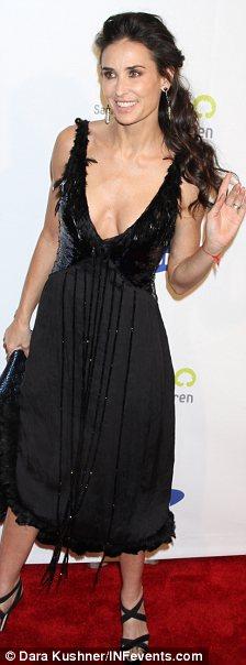 Demi Moore preocupa por su delgadez-03