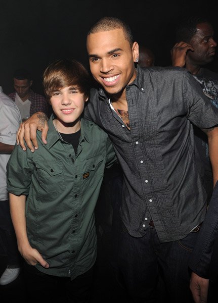 Justin Bieber y Chris Brown estrenaron videoclip