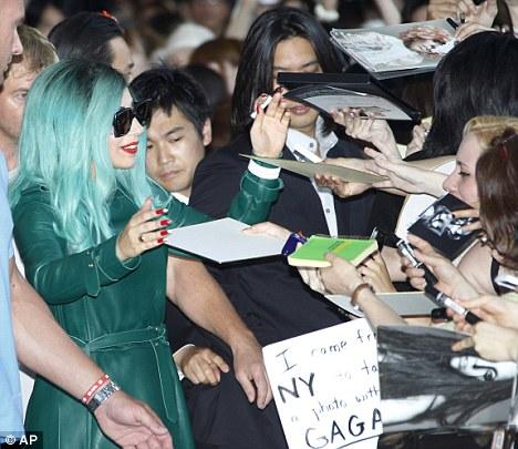 Lady Gaga está en Japón9