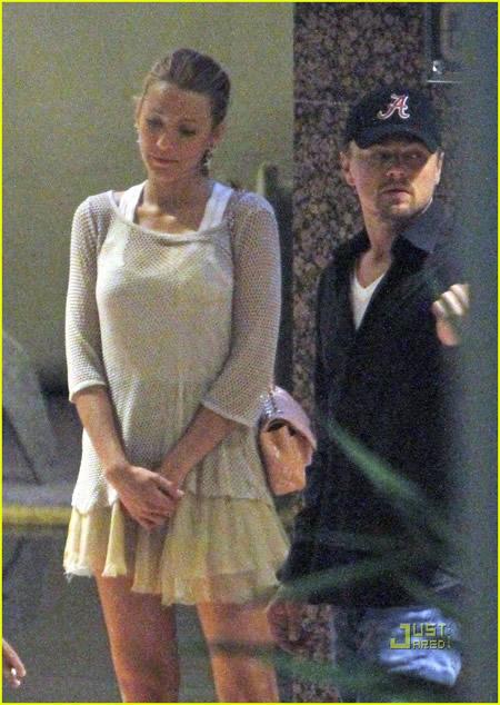 Leonardo DiCaprio y Blake Lively de la mano en Monaco-02
