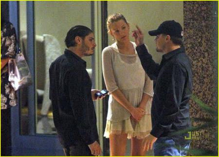 Leonardo DiCaprio y Blake Lively de la mano en Monaco-04