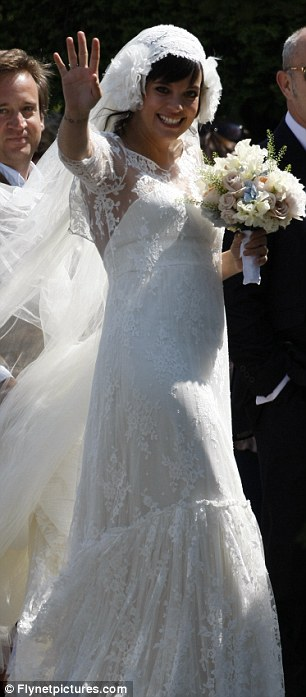 Lily Allen_ casamiento y anuncio de embarazo-02
