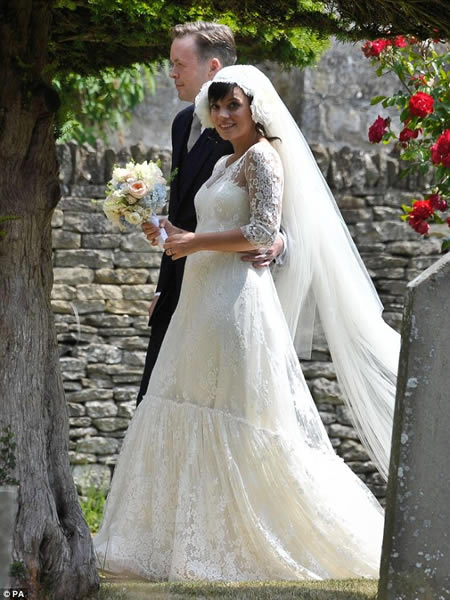 Lily Allen_ casamiento y anuncio de embarazo-07