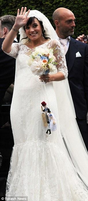 Lily Allen_ casamiento y anuncio de embarazo-08