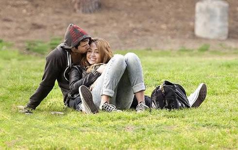 Miley Cyrus y Liam Hemsworth han vuelto1