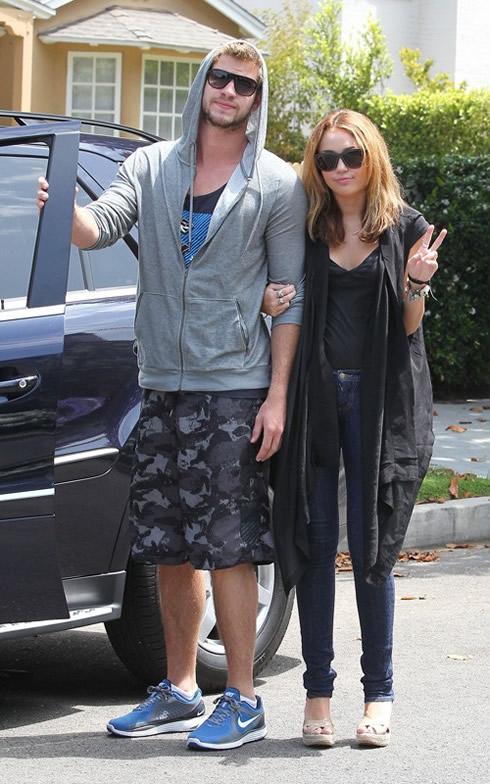 Miley Cyrus y Liam Hemsworth han vuelto2