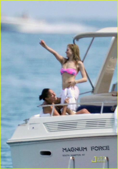 Vacaciones en Saint Tropez para Avril Lavigne1