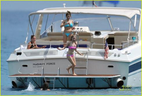 Vacaciones en Saint Tropez para Avril Lavigne5