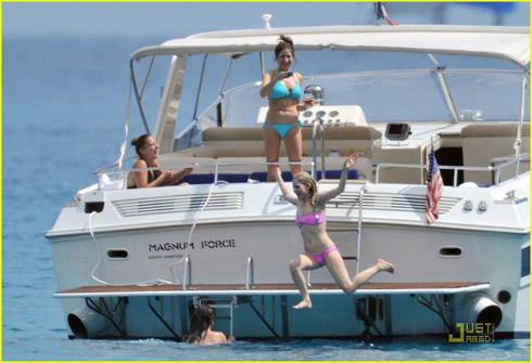 Vacaciones en Saint Tropez para Avril Lavigne6