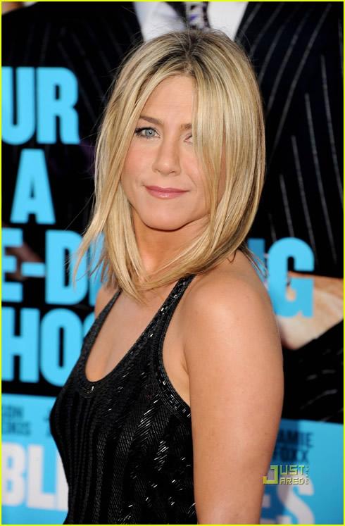 Jennifer Aniston se luce1