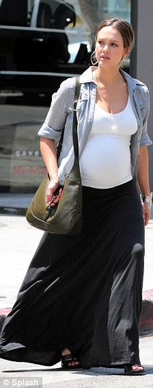 Jessica Alba anima a las embarazadas4