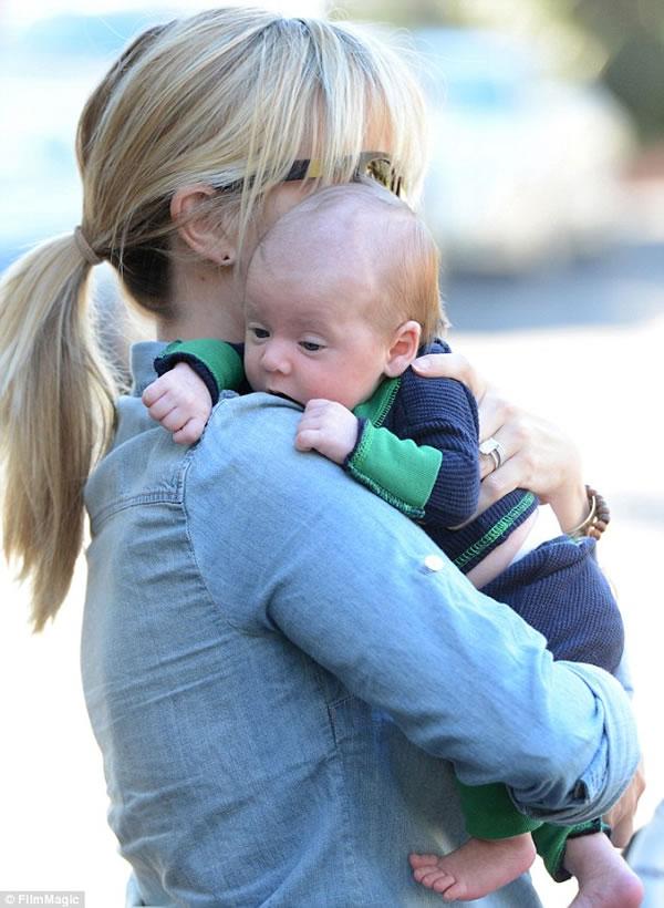 Las primeras fotos del hijo de Reese Witherspoon