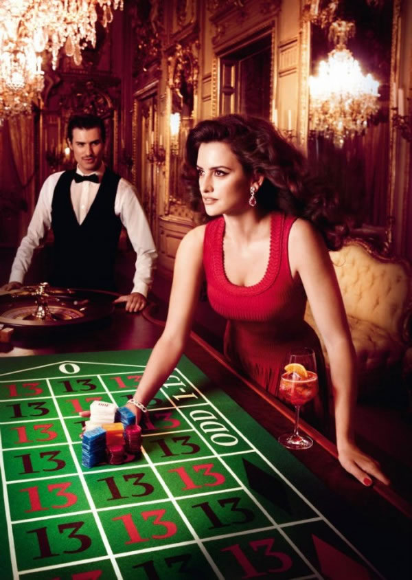 Penélope Cruz en el calendario Campari 2013 11