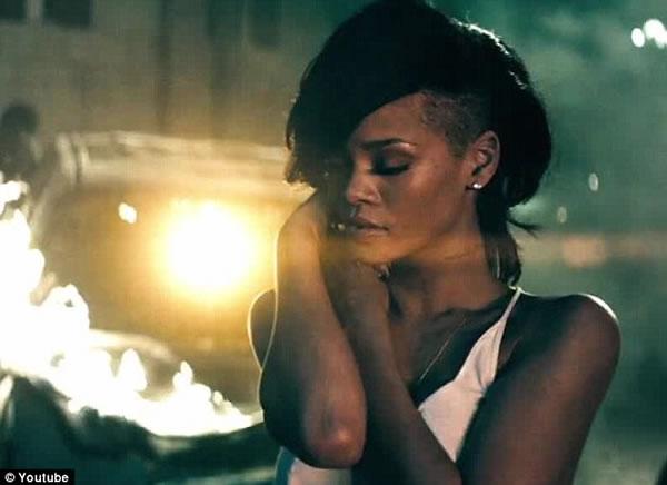 Rihanna estreno Diamonds