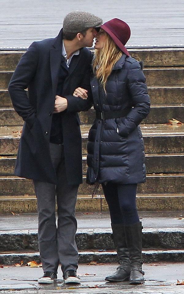 El Sr. y la Sra. Reynolds enamorados en Paris 1