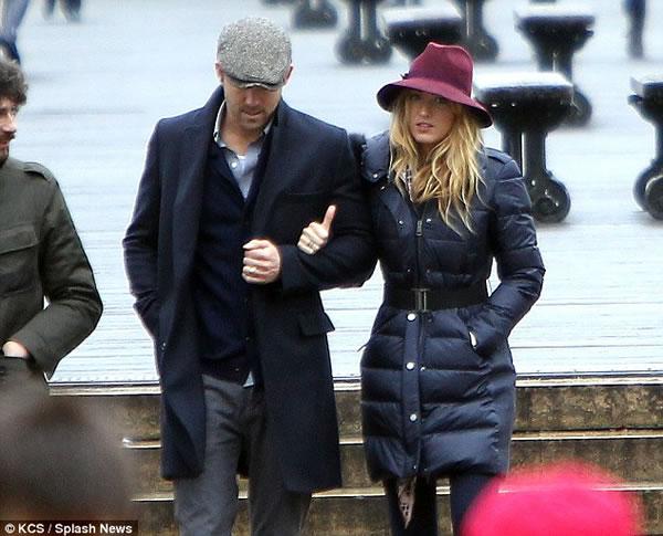 El Sr. y la Sra. Reynolds enamorados en Paris2