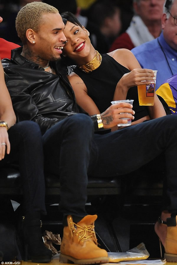 Rihanna y Chris Brown 1
