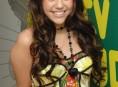 imagen Miley Cyrus se borrá de Twitter a pedido de su novio
